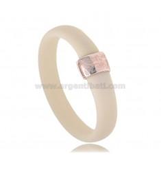RING IN GUMMI-ELFENBEIN MIT ZENTRAL IN AG GOLD PLATED TIT 925