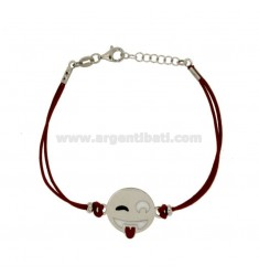 BRACCIALE IN SETA ROSSA CON EMOTICONS LINGUACCIA MM 17 IN ARGENTO RODIATO TIT 925‰ E SMALTO CM 16-18