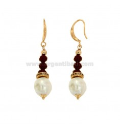 PENDENT EARRINGS WITH STONE PEARL AND BRASS WALLETS WITH BRASS ZIRCONES