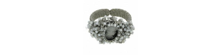 Armbänder Steine und Perlen